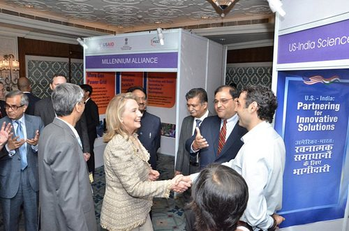 Promethean Power's CEO, Sorin Grama, meets Secretary of State Hillary Clinton. Credit: US Embassy in India